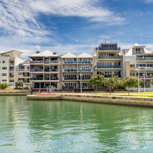 Housing on Canals Mandurah